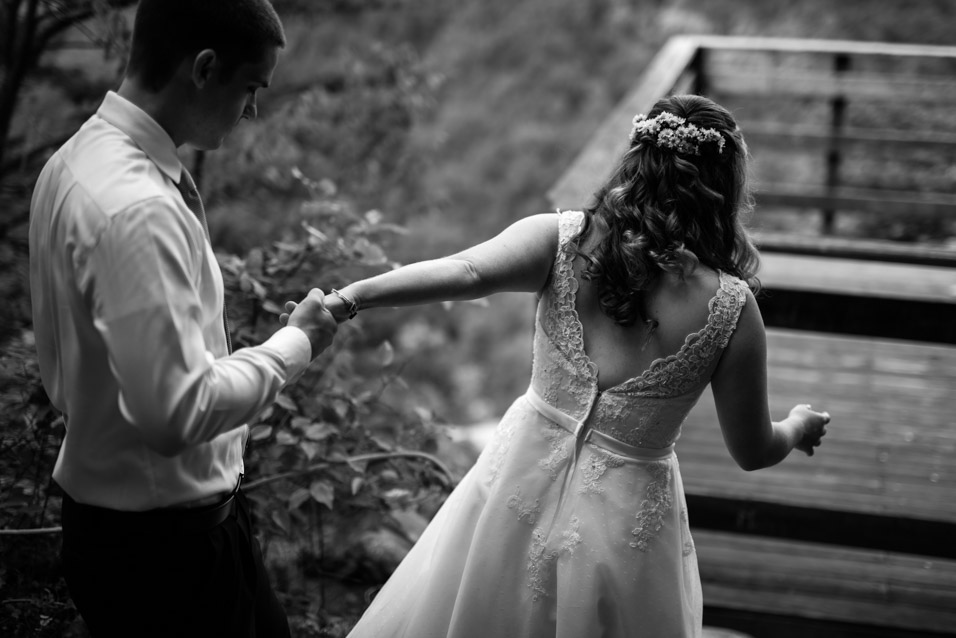 adventures-on-the-gorge-wedding-4