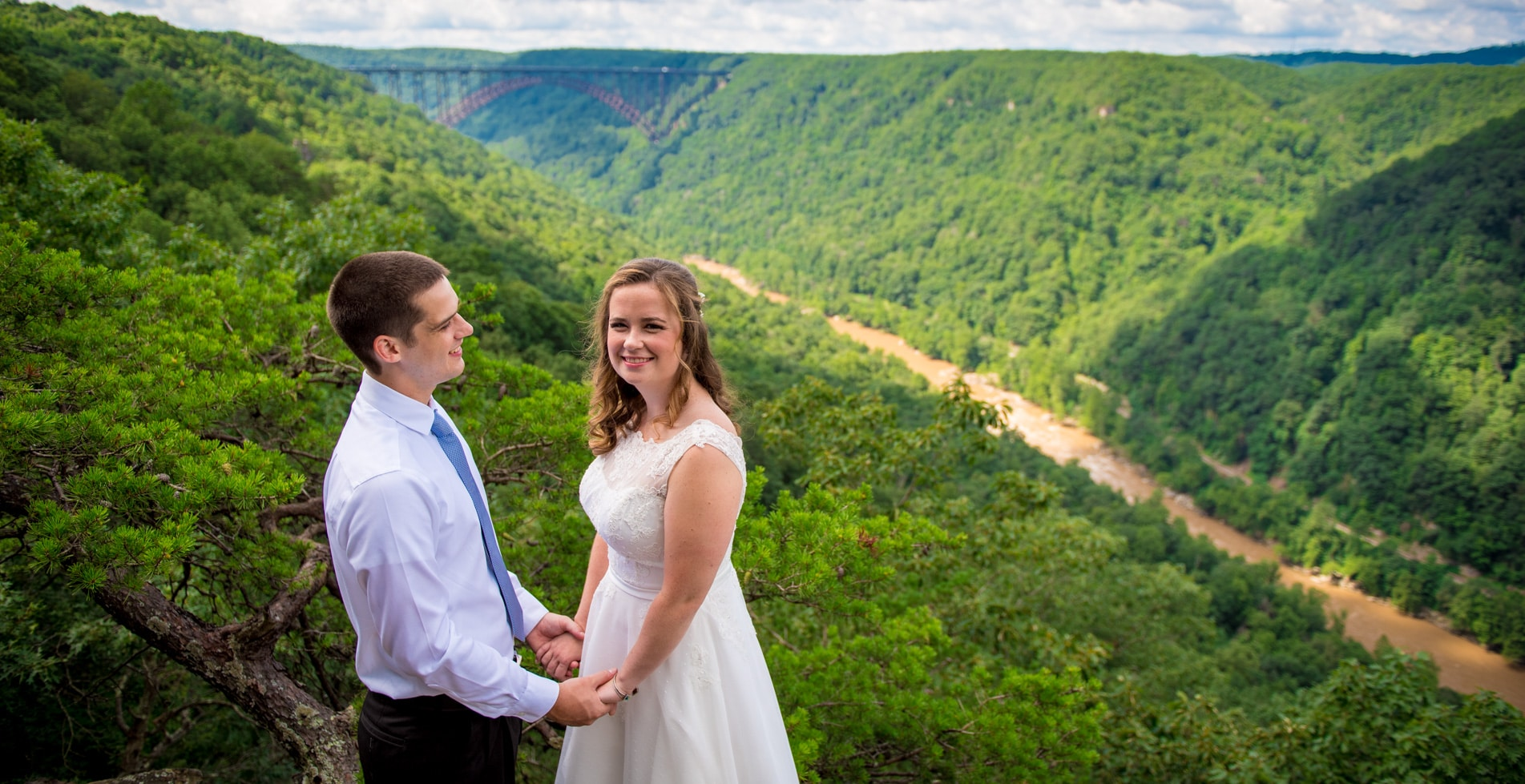 Adventures On The Gorge Wedding | Christine & Clint