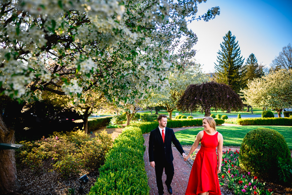 Engagement-Pictures-At-The-Greenbrier-Hotel