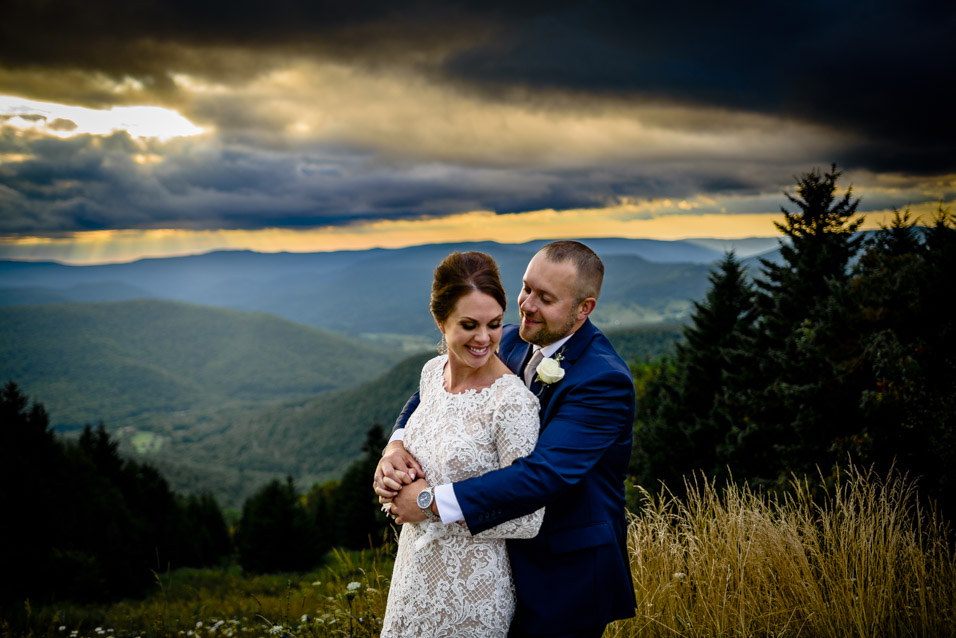 Snowshoe-Resort-Wedding-Photo