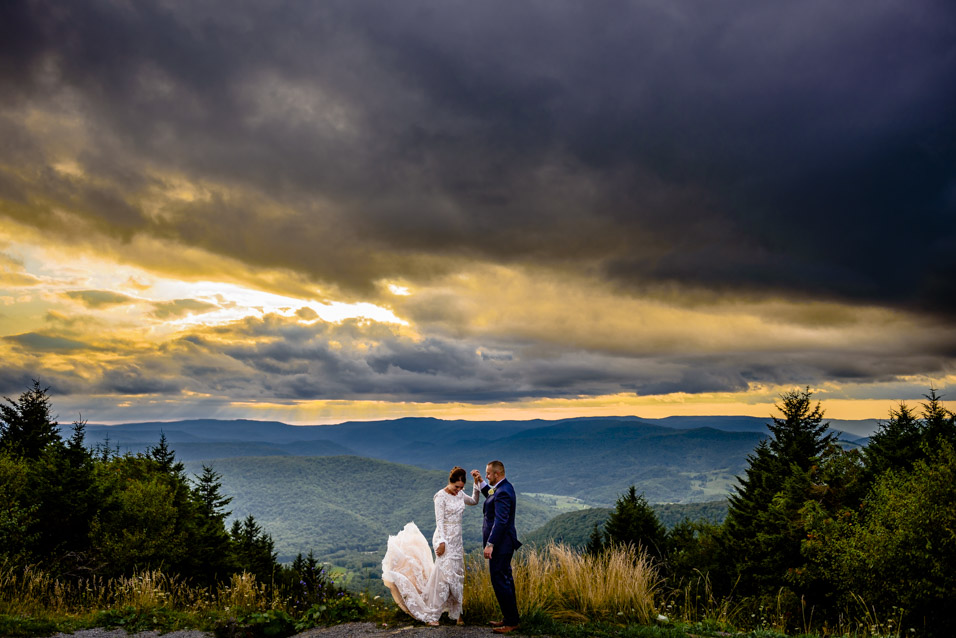 Snowshoe-Mountain-Wedding-Sunset